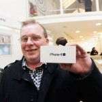 Начались продажи iPhone 4S ещё в 22 странах