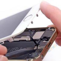 Чистка динамика/микрофона iPhone 5C от пыли (со вскрытием устройства)