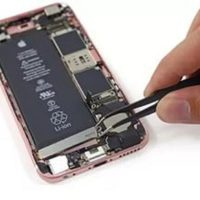 Чистка динамика/микрофона iPhone 7 (со вскрытием устройства)