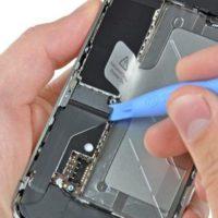 Восстановление внутренних элементов iPhone 4 на компонентном уровне