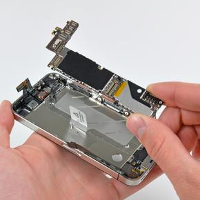 Восстановление или замена компонентов платы iPhone 5