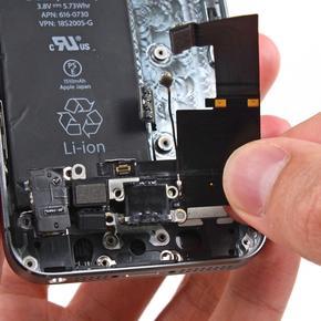 Замена нижнего шлейфа с разъемом зарядного устройства iPhone 7