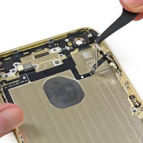 Замена микросхемы, отвечающей за распределение звука iPhone 6 Plus