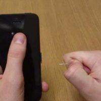 Извлечение застрявшей SIM-карты из лотка iPhone 5S